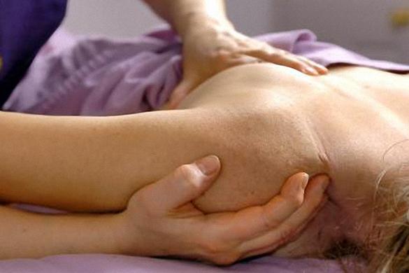 TERAPIA-MIOFASCIAL-02-imagen clínica rehabilitación - navarra - pamplona - accidentes de tráfico